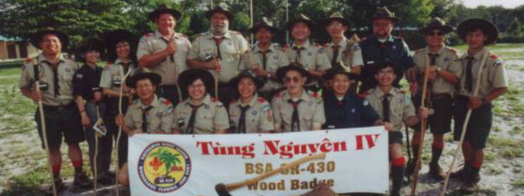 Tung Nguyen IV Staff (2001)